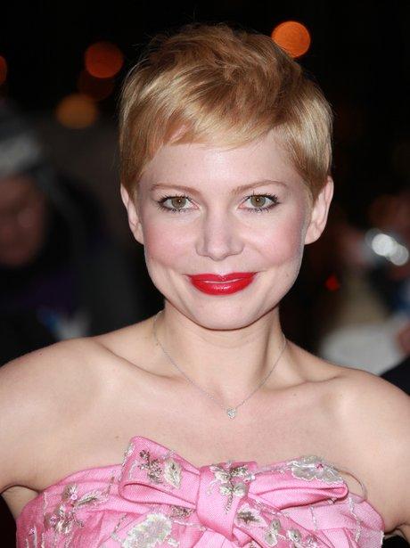 Michelle Williams attends premiere in Paris