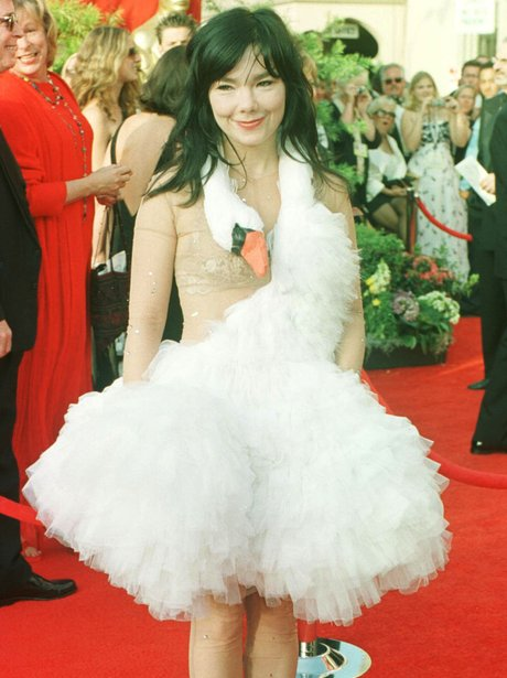 Bjork in swan dress at the oscars in a ruffled white dress