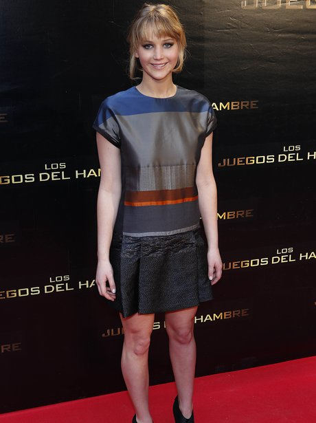 Jenifer Lawrence wears short skirt to Hunger Games premiere