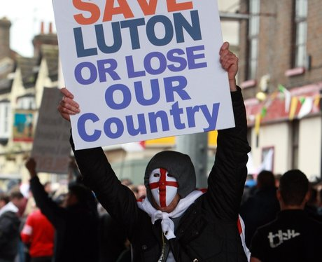 EDL Luton May 2012 3