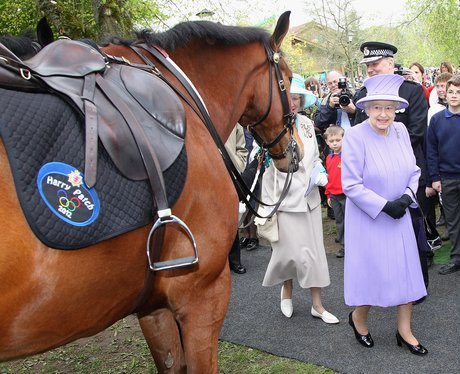Her Majesty meets Harry Patch