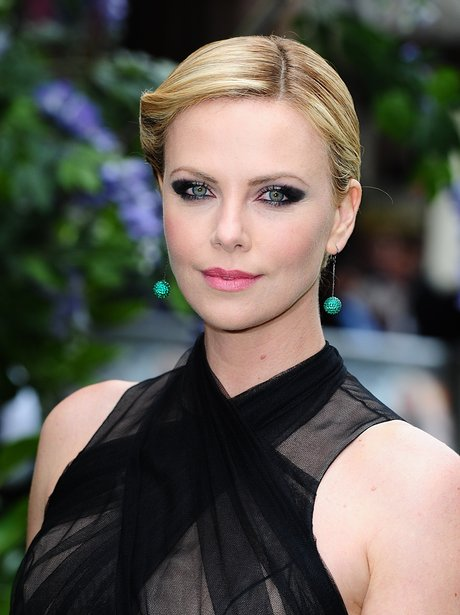 Charlize Theron Snow White Makeup Get the look: Charlize...
