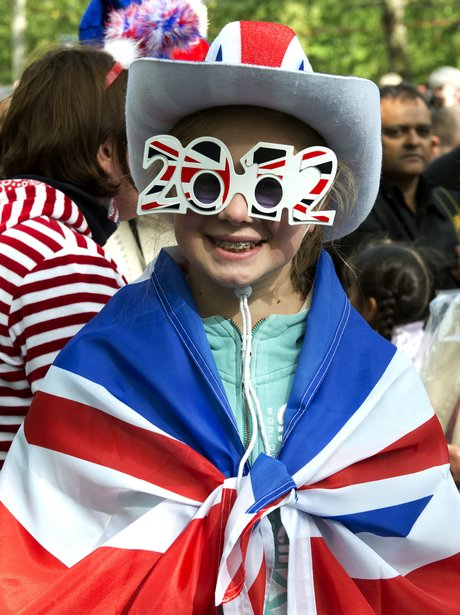 A young fan gets patriotic