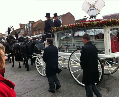 Hundreds turn out for Robin Gibb's funeral...