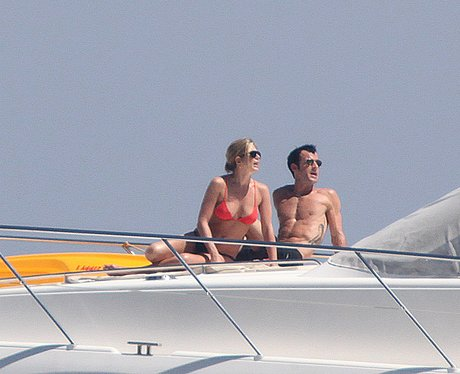 Jennifer Aniston and Justin Theroux on Holiday