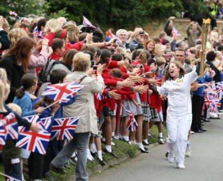 Buckingham Olympic Torchj