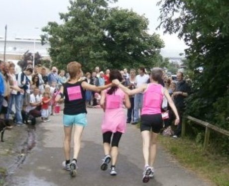 Race for Life Barnstaple Finish