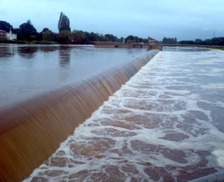 Flood defences at River Exe