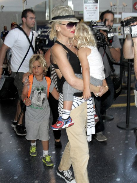 Gwen Stefani with her children at the airport