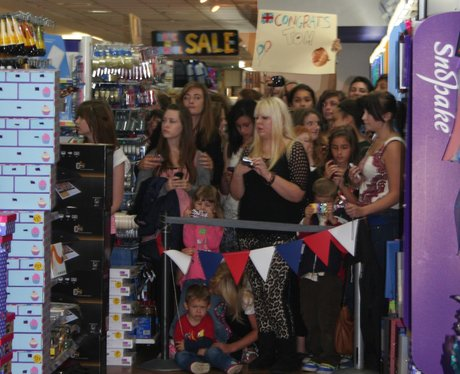 Crowds storm WHSmith
