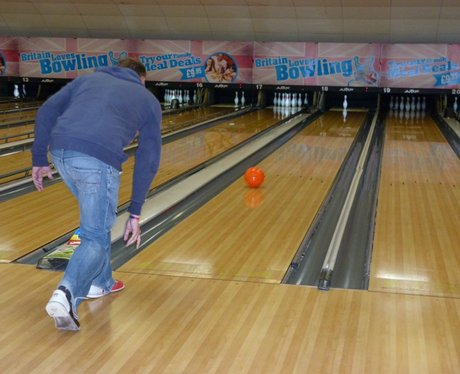 kev and ros go bowling breakfast bowling challenge heart