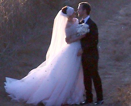 Anne Hathaway & Adam Shulman wedding