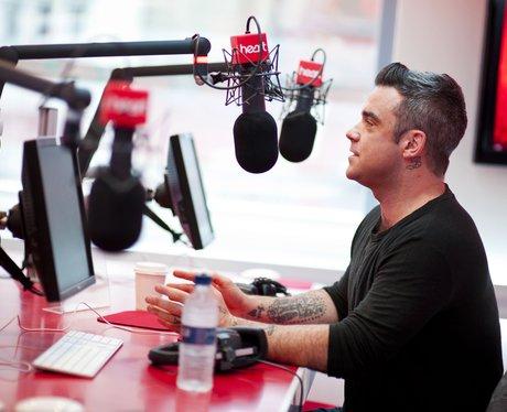 Robbie Williams praises his wife