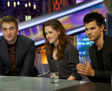 Twilight: Breaking Dawn Part 2 cast on TV in Madrid