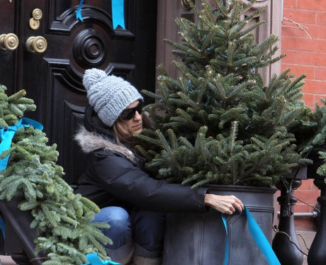 SJP decorating her house