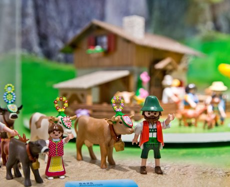 Toy Fair with Mountain Life by Playmobil