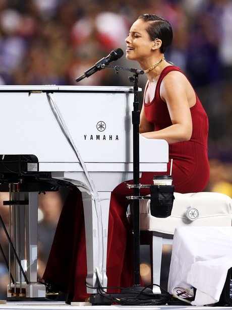 Alicia Keys performs at the Super Bowl 2013