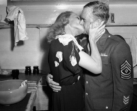Hollywood Kisses