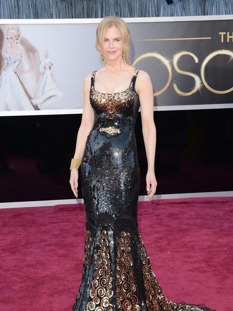 Nicole Kidman at the Oscars 2013 Red Carpet