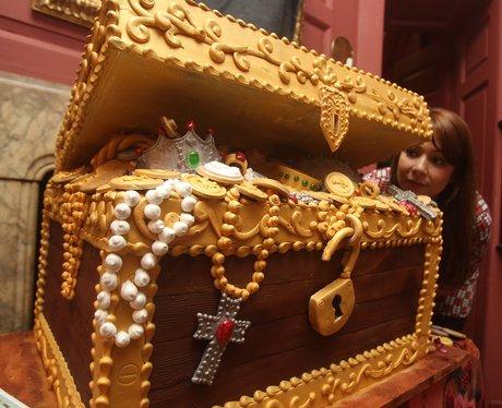 Edible treasure chest