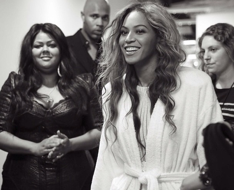 Beyonce wearing her dressing gown backstage