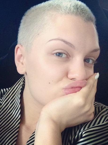 Jessie J No Make Up selfie