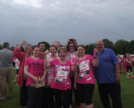 Cheering - Basingstoke Race for Life 19/06/2013