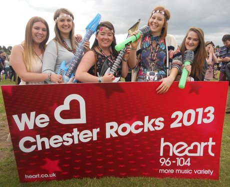 Crowds at Chester Rocks