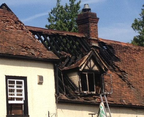 500 year old pub damaged in blaze