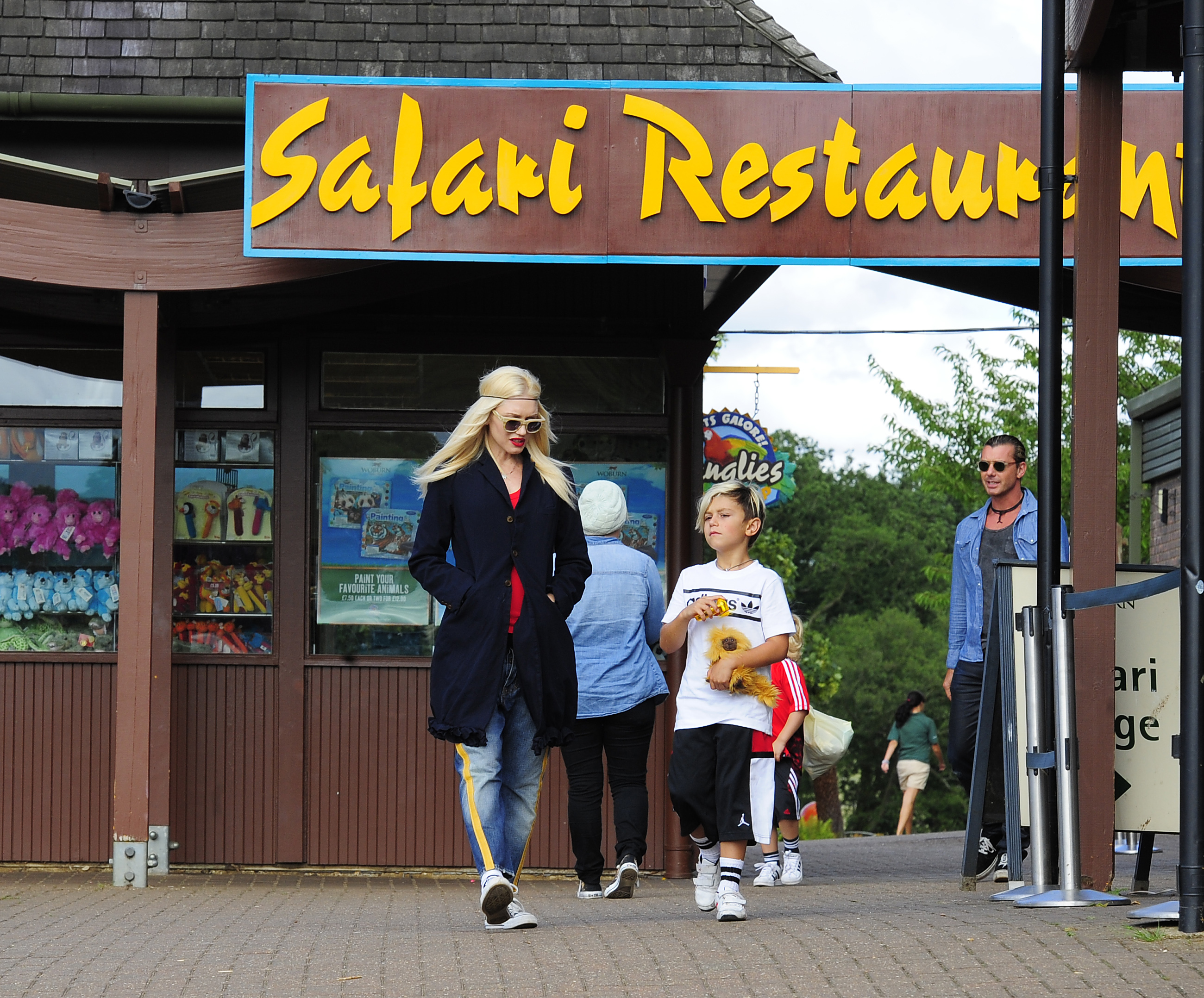 Gwen Stefani and family visit Safari park