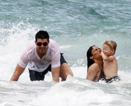 Robin Thicke on family holiday