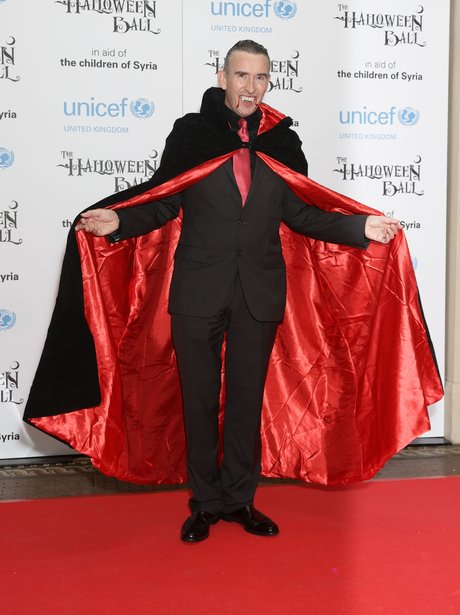 Best Celebrity Halloween Costumes of All Time - Celeb ...