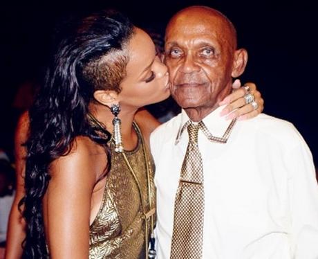 Rihanna kisses her grandfather