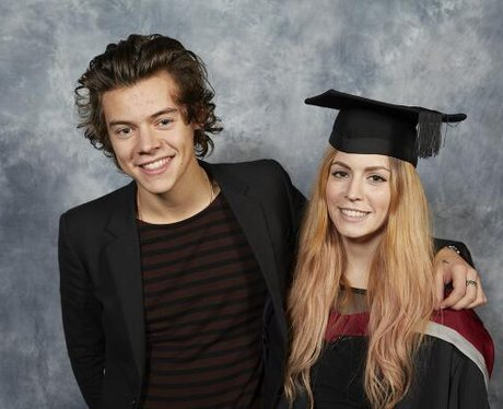 Harry Styles hugs sister at her graduation ceremony