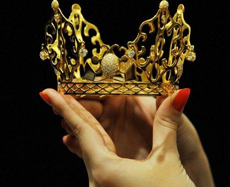 victoria beckham's wedding tiara