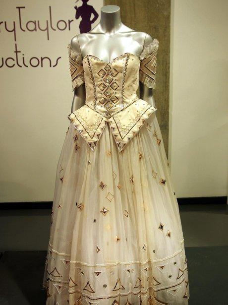 gown belonging to princess diana