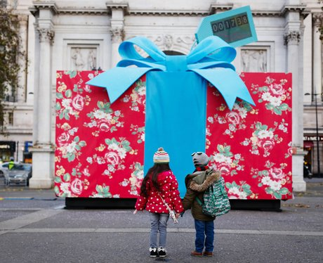 giant present in london