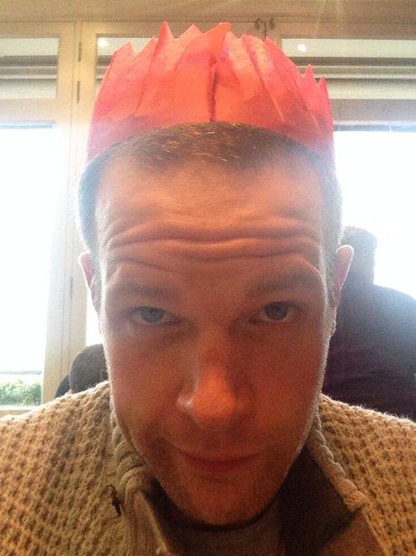 presenter roberto in a cracker hat