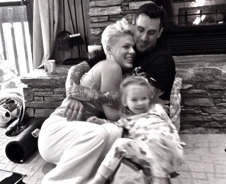 Pink's family portrait on New Year's Eve