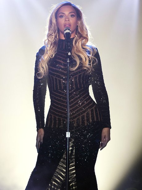 Beyoncé performs on stage on her Mrs. Carter Show in Glasgow