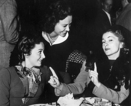 Joan fontaine and olivia de havilland celebrity feuds for Joan fontaine and olivia de havilland feud