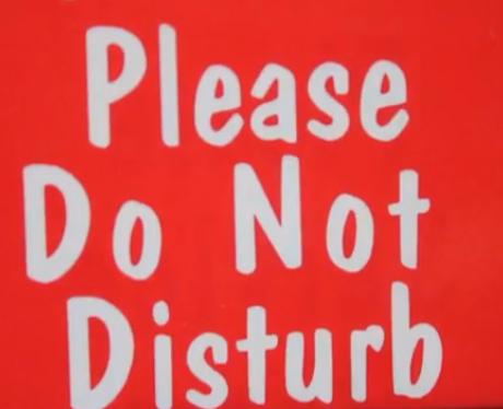 Please do not disturb sign