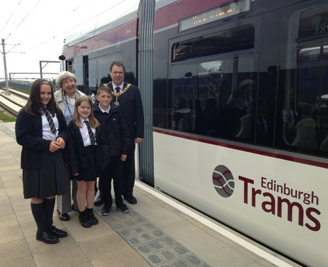 Lord Provost with schoochildren at Edinburgh tram