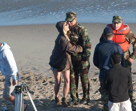 Suki Waterhouse and Bradley Cooper