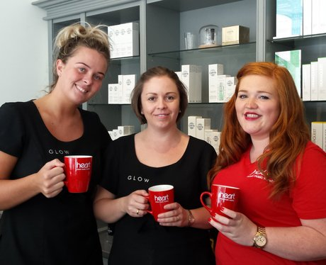 2 Ladies with mugs with street team.