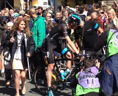 Chris Froome Gets Ready