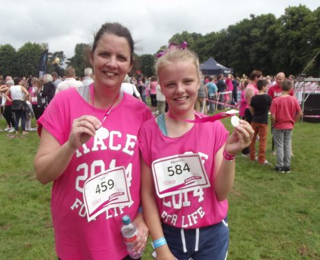 Race For Life Rugby, finish line and medals!
