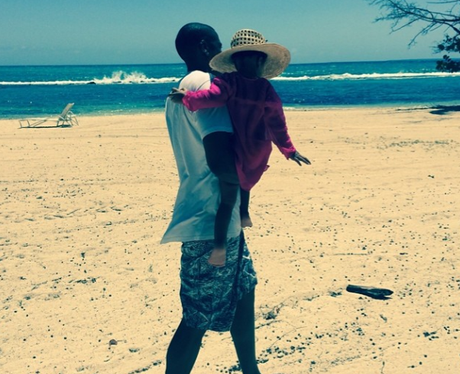 Jay Z and Blue Ivy on the beach