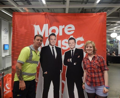 Heart Angels: Ant And Dec Give Away at IKEA! - Par