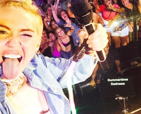 Celebrity Selfies We Hate